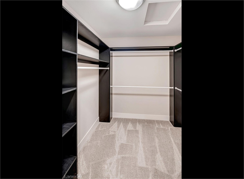 Closet by DFD House Plans